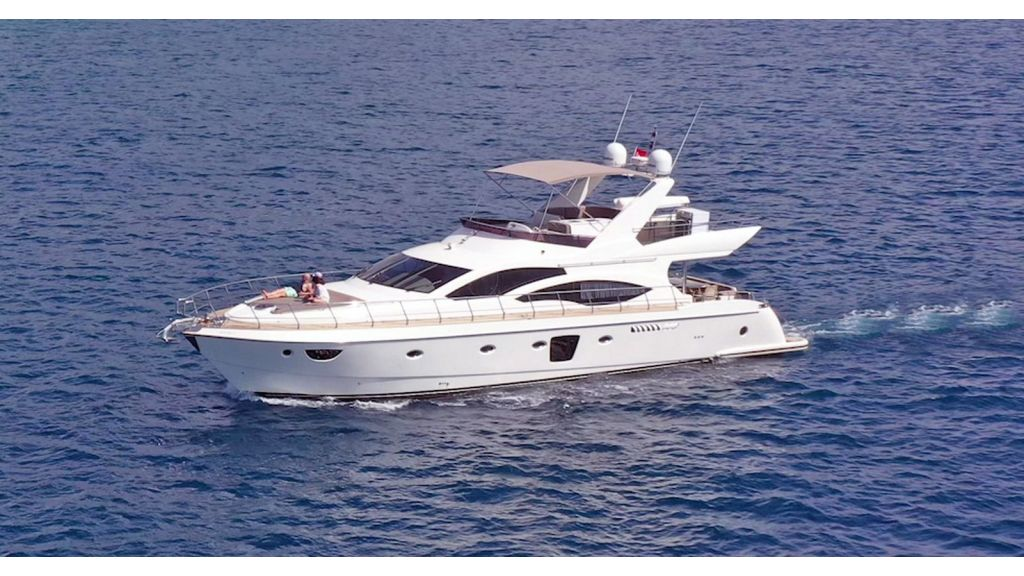 Motor Yacht Bormus master.