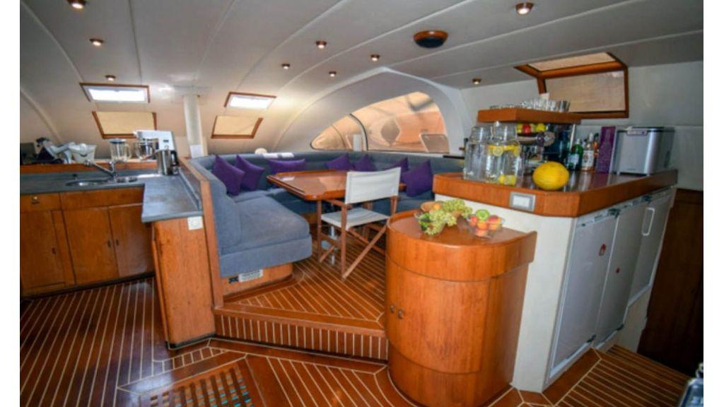 Notica 570ft Catamaran (1)