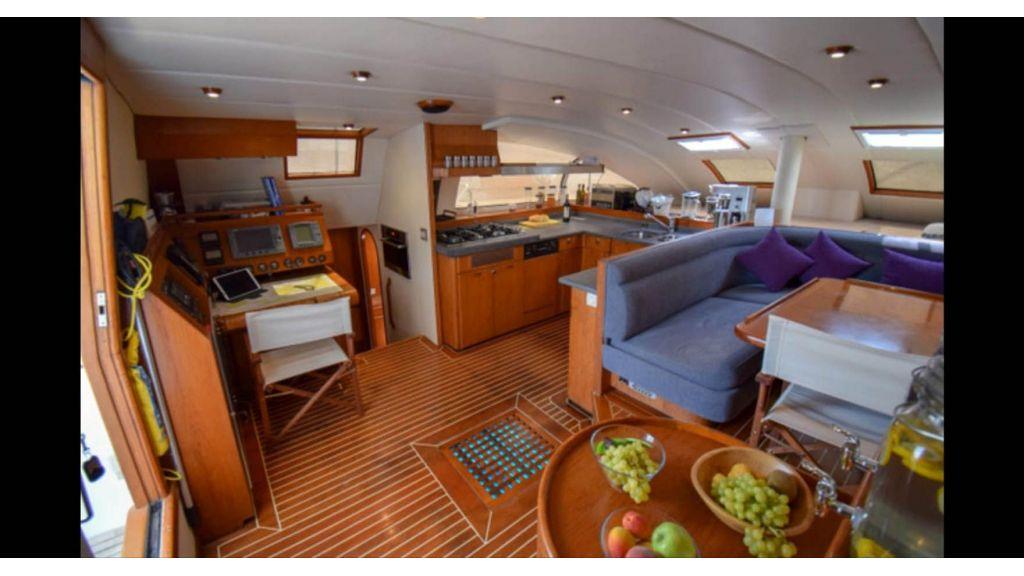 Notica 570ft Catamaran (10)