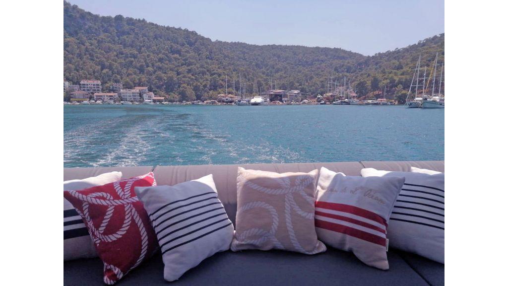 Explore motor yacht Floki (26)