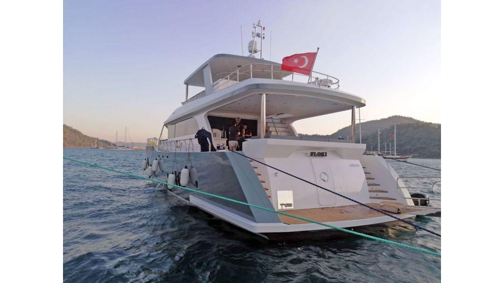 Explore motor yacht Floki (28)