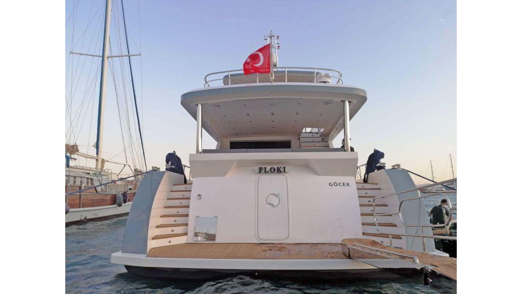 Explore motor yacht Floki (4)