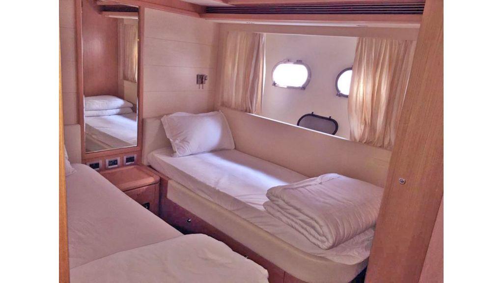 Ferretti 830 For Charter (15)
