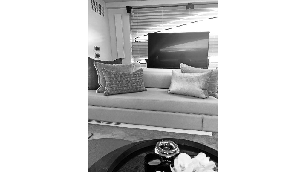 Goldfinger Luxury Motor Yacht (12)