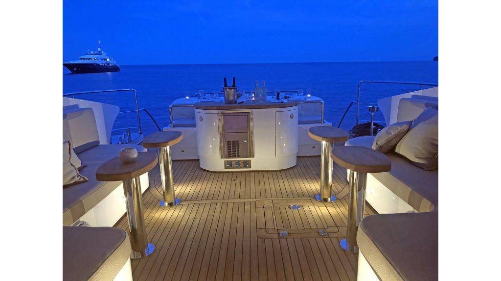 Goldfinger Luxury Motor Yacht (20)