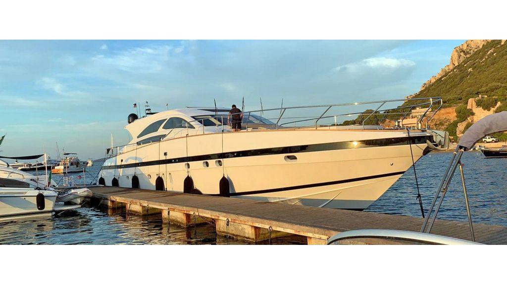 Goldfinger Luxury Motor Yacht (23)