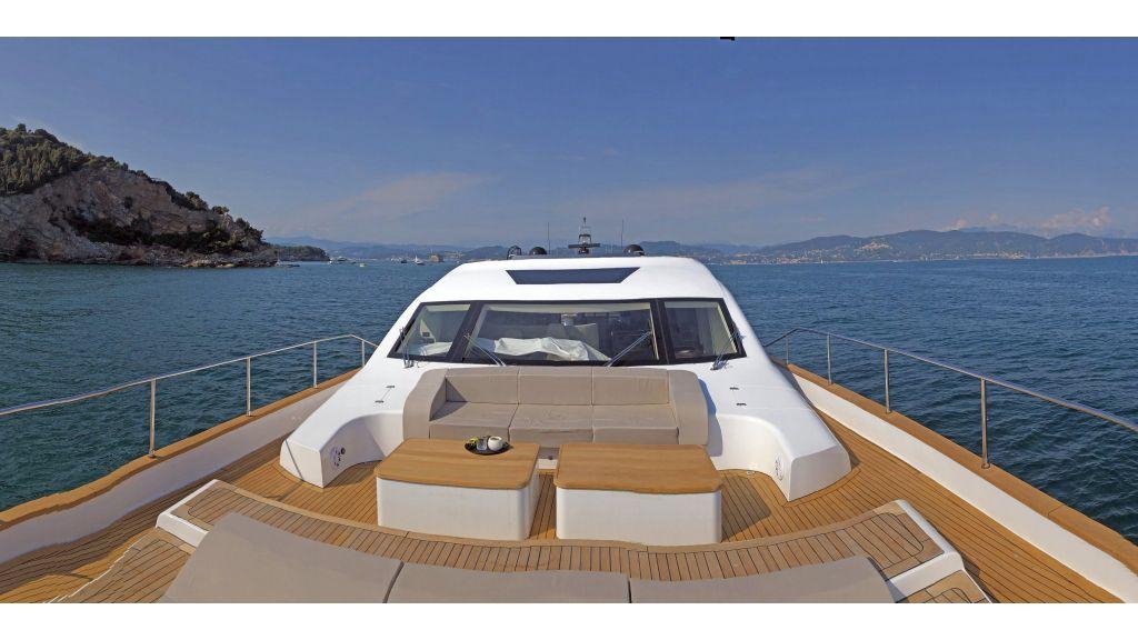 Goldfinger Luxury Motor Yacht (25)
