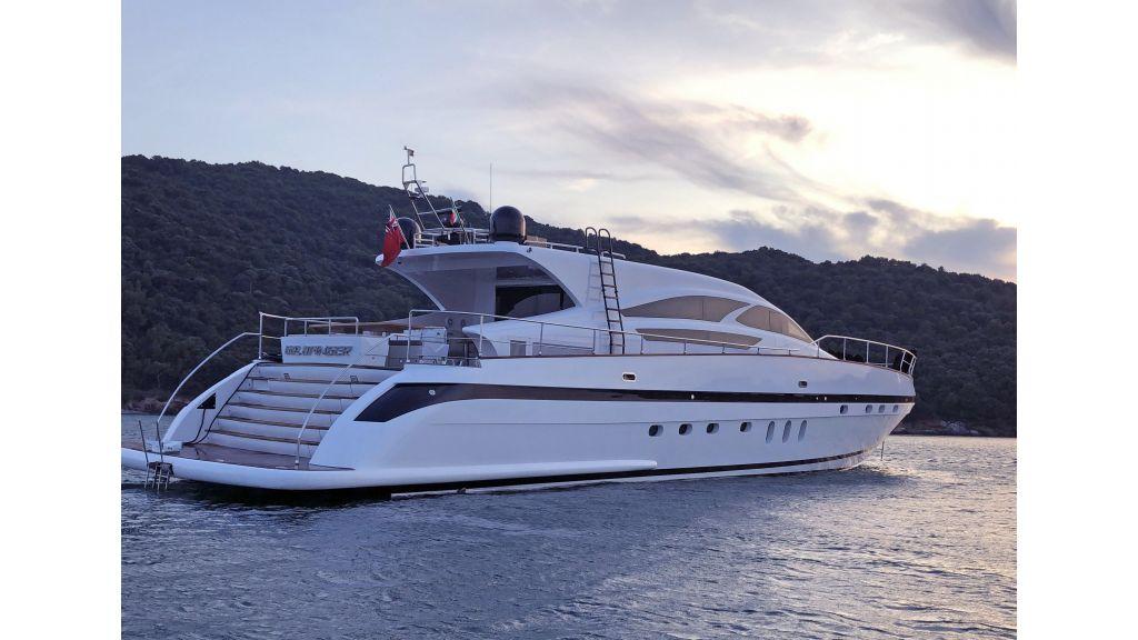 Goldfinger Luxury Motor Yacht (26)