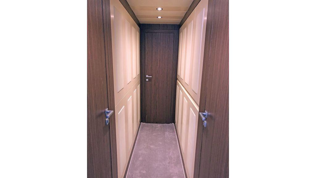 Goldfinger Luxury Motor Yacht (36)