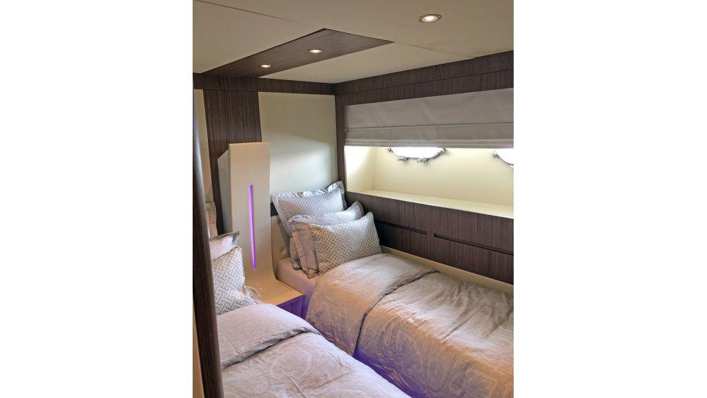 Goldfinger Luxury Motor Yacht (37)