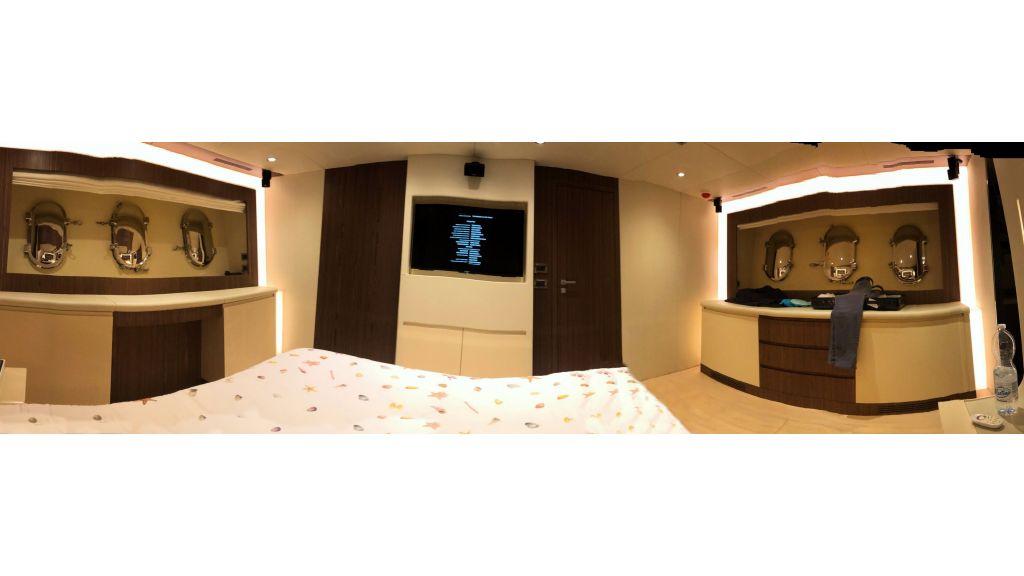 Goldfinger Luxury Motor Yacht (42)