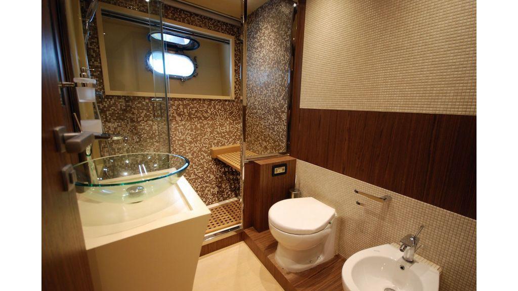 Goldfinger Luxury Motor Yacht (43)