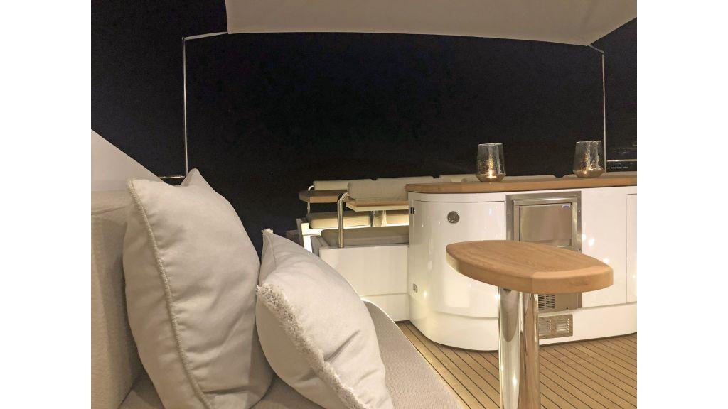 Goldfinger Luxury Motor Yacht (5)