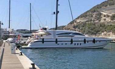 Goldfinger Luxury Motor Yacht master
