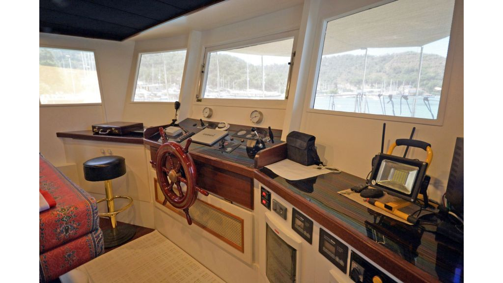 20m Used Trawlers For Sale (19)