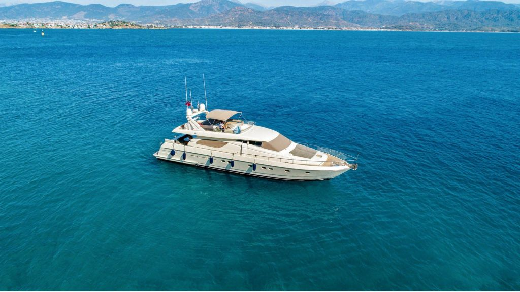 Hurrem Luxury Motor Yacht (2)