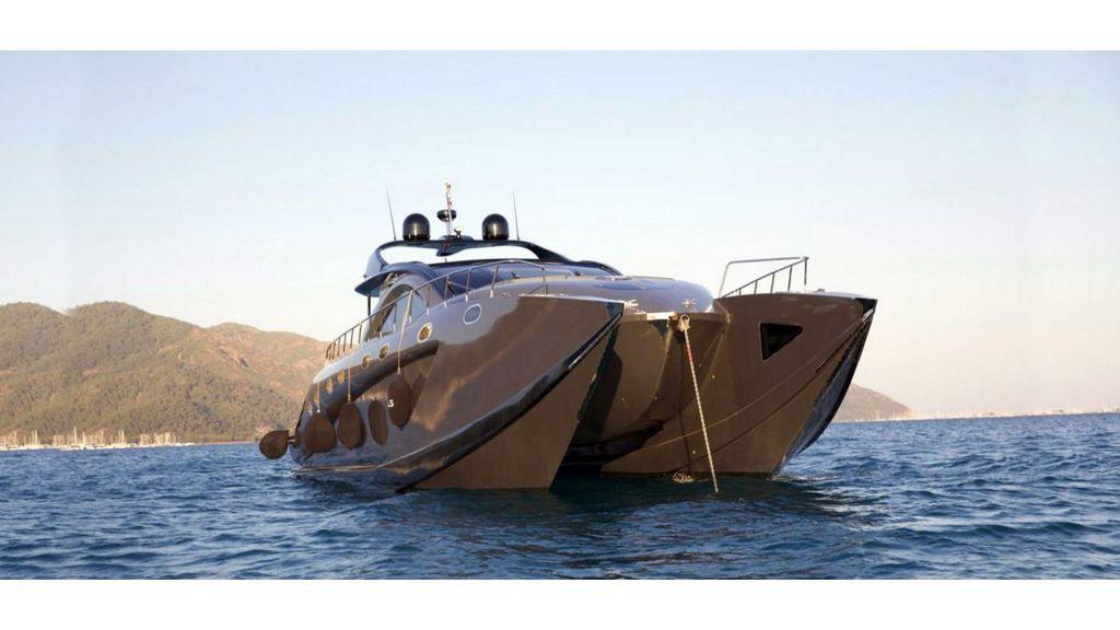 Klas-luxury-power-catamaran