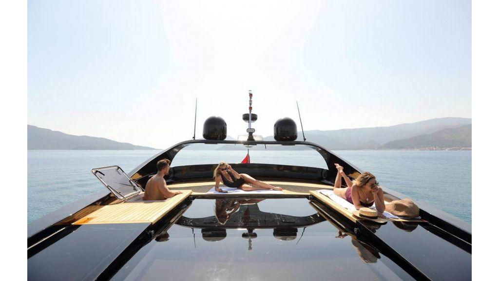 Klas luxury power catamaran (1)