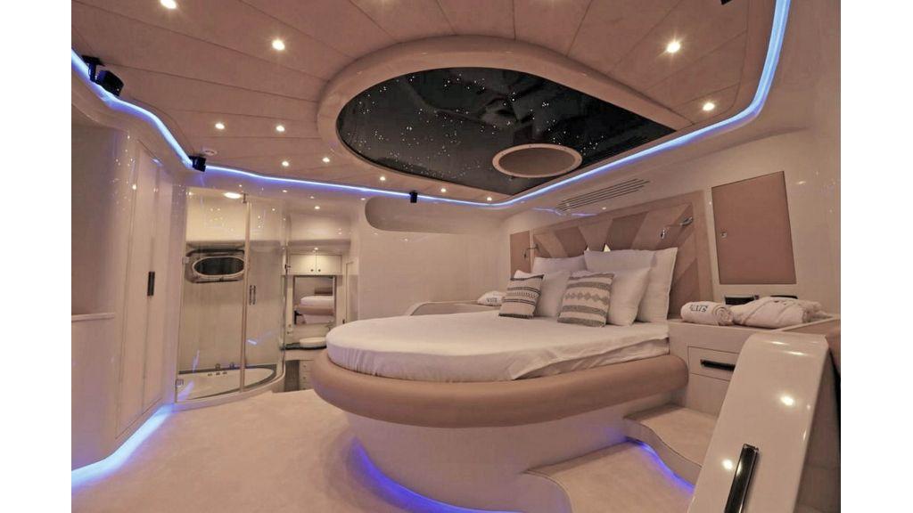 Klas luxury power catamaran (17)