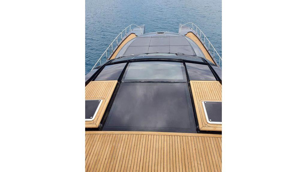 Klas luxury power catamaran (2)