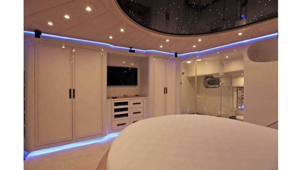 Klas luxury power catamaran (22)