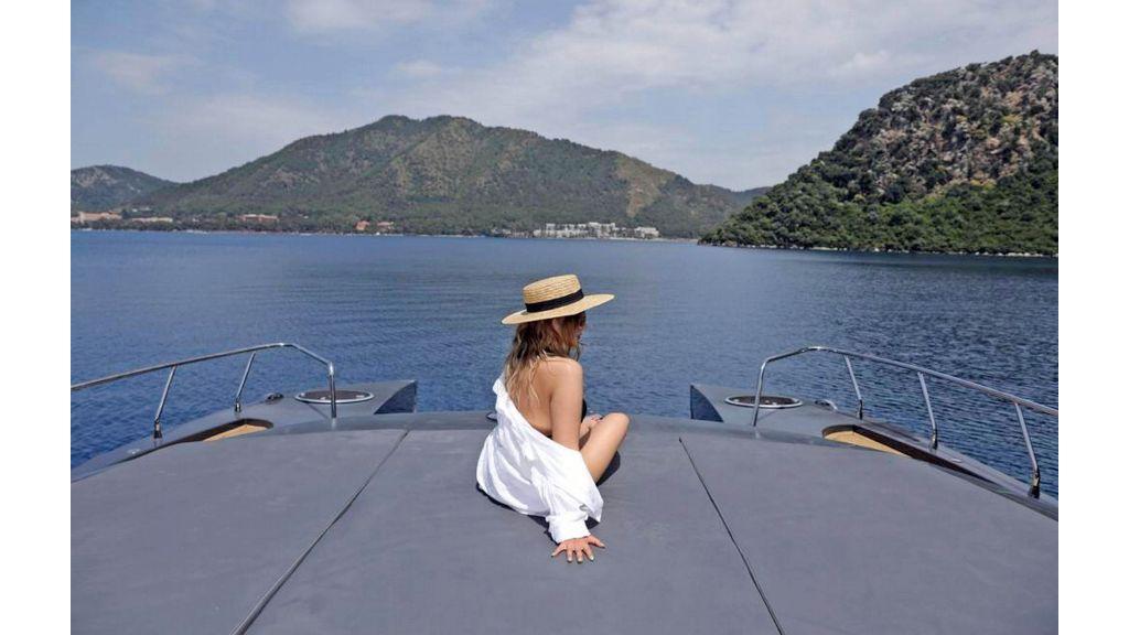Klas luxury power catamaran (25)