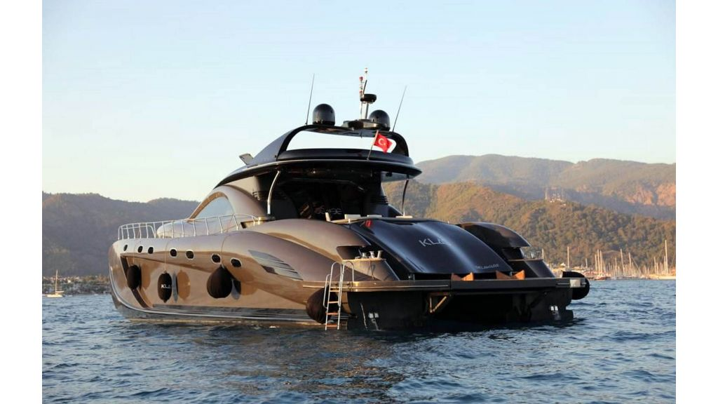 Klas luxury power catamaran (4)