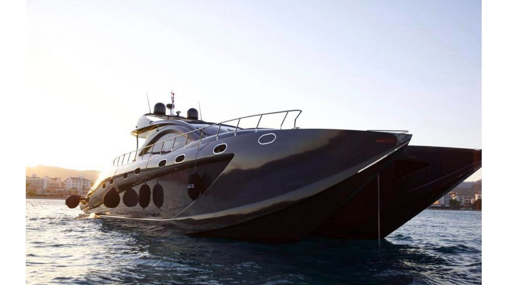 Klas luxury power catamaran (6)