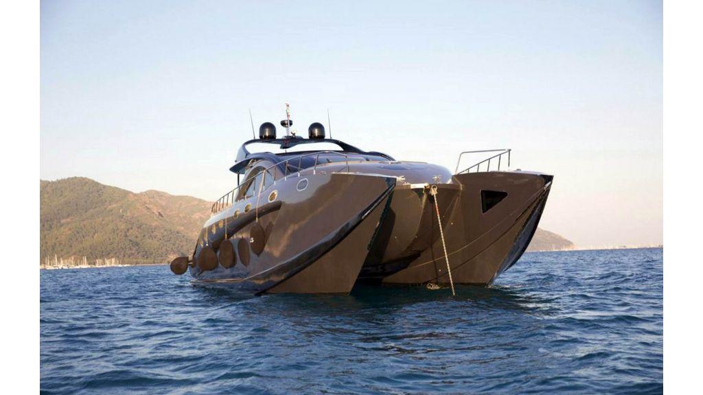 Klas luxury power catamaran (7)
