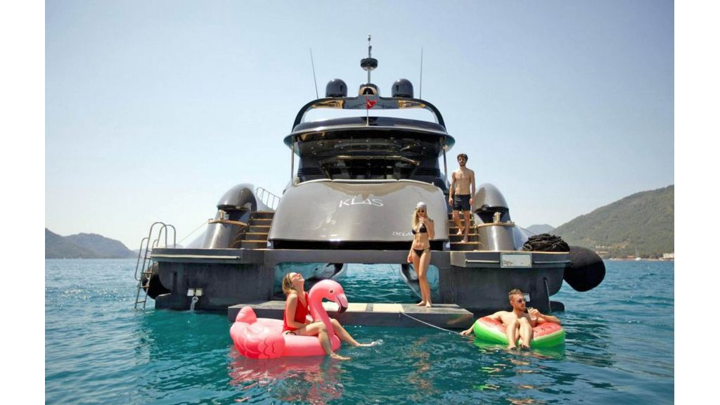 Klas luxury power catamaran (8)