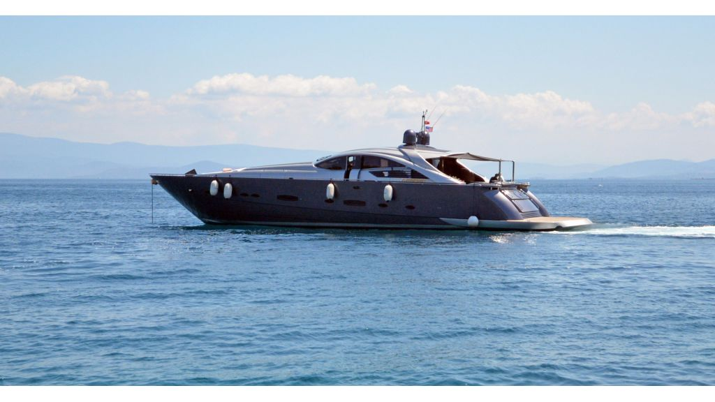 Pershing 88 For Charter (47)