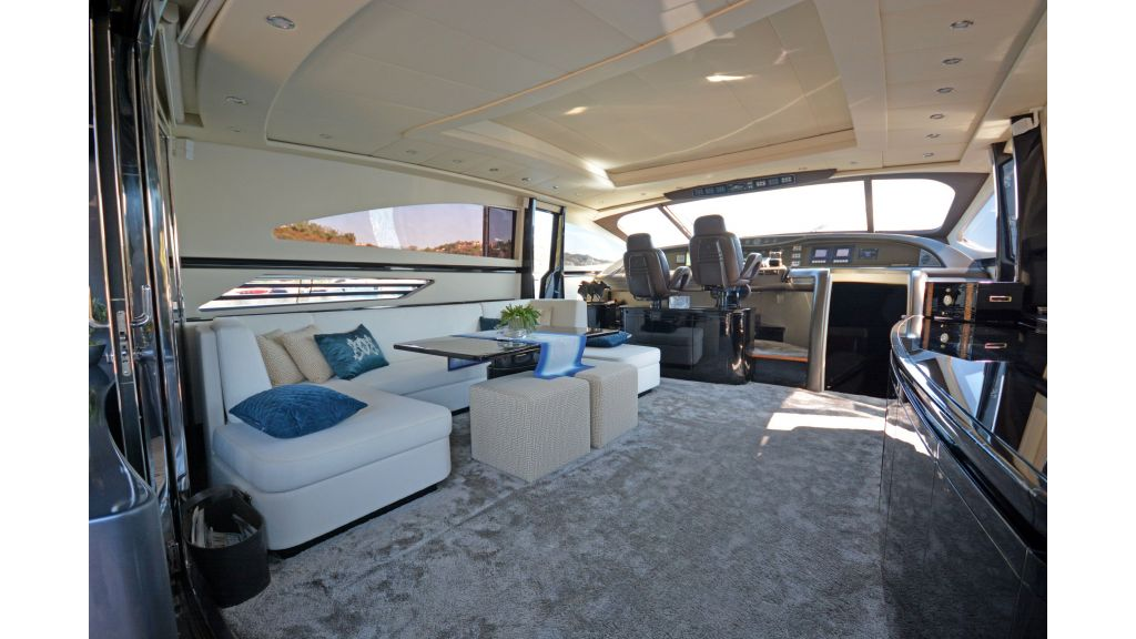Pershing 88 For Charter (48)