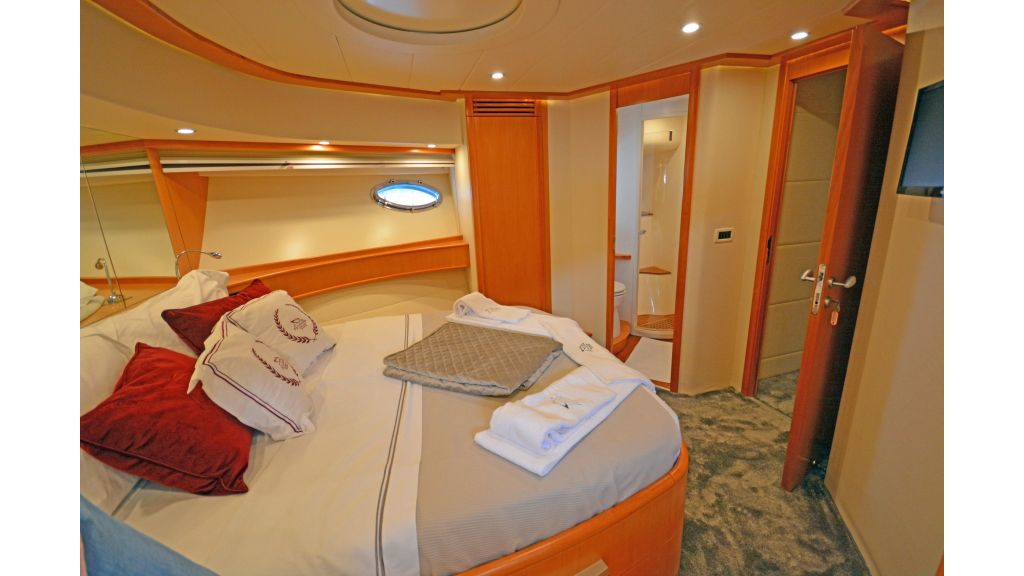 Pershing 88 For Sale (29)