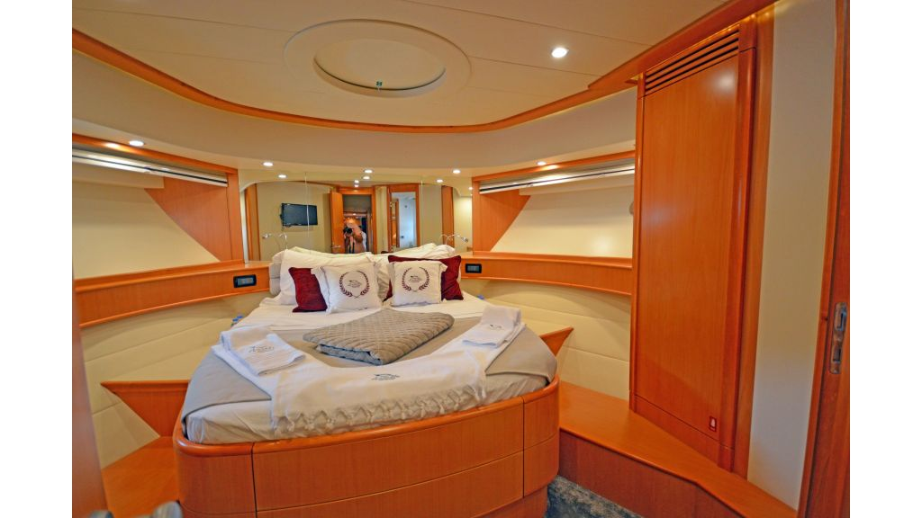 Pershing 88 For Sale (30)