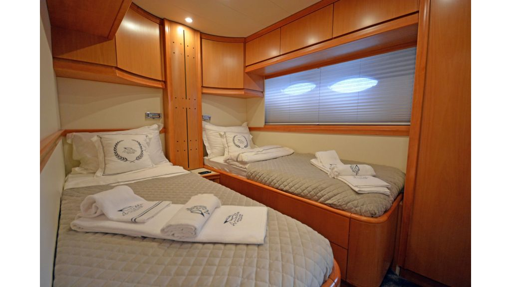 Pershing 88 For Sale (34)