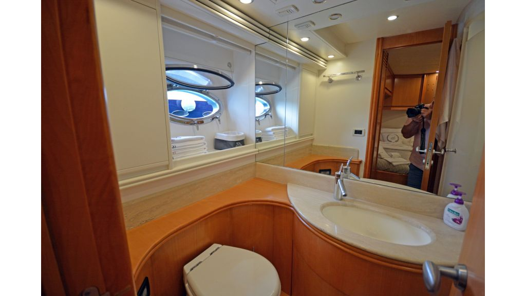 Pershing 88 For Sale (39)