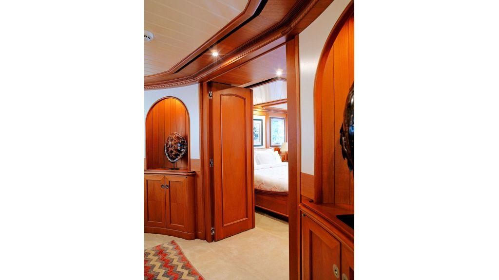 Timeless Styling Motoryacht (16)