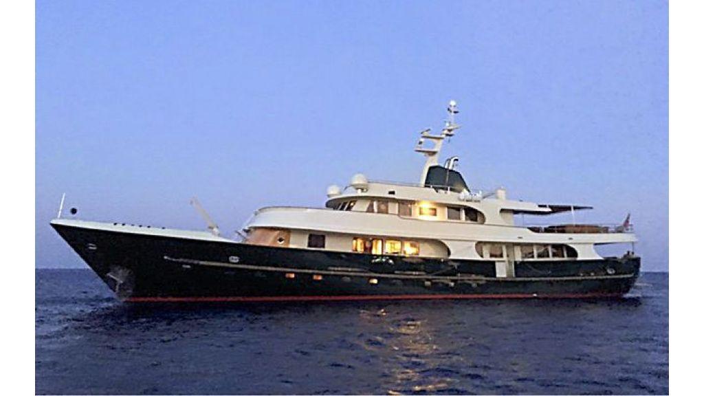 Timeless Styling Motoryacht (2) - Master