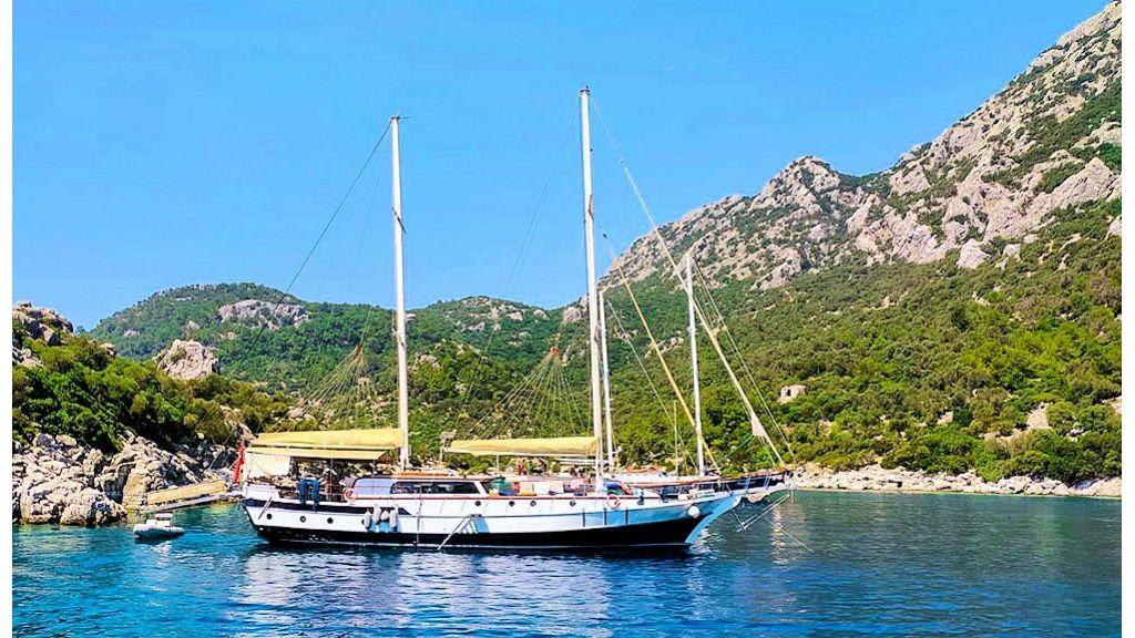 Derya Deniz Gulet (5)