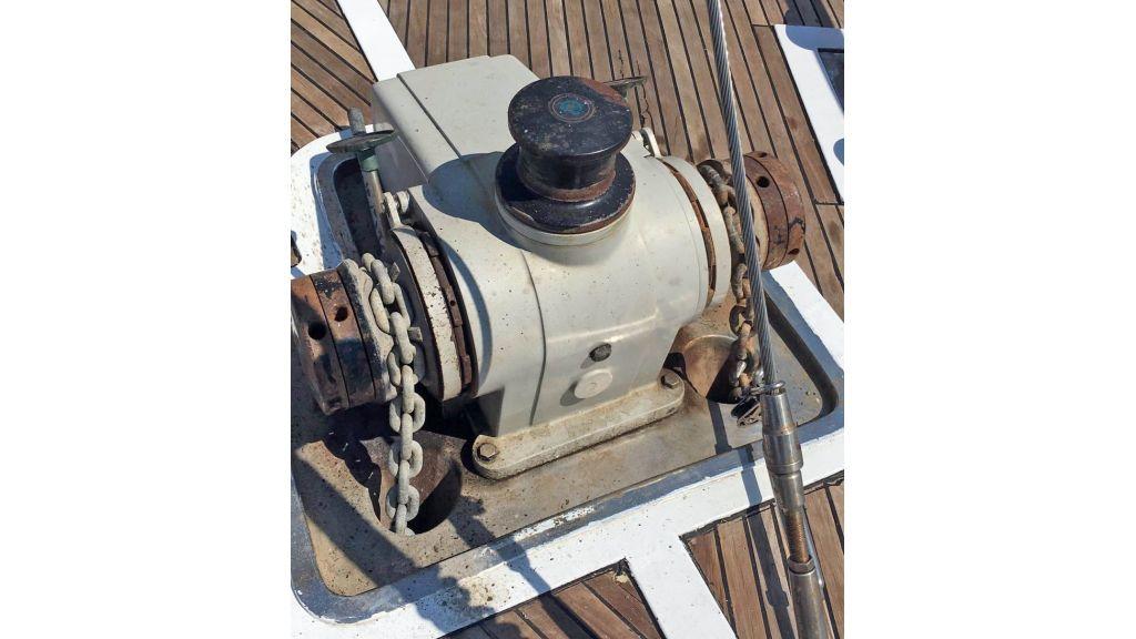 28m Sailing Yacht (11)
