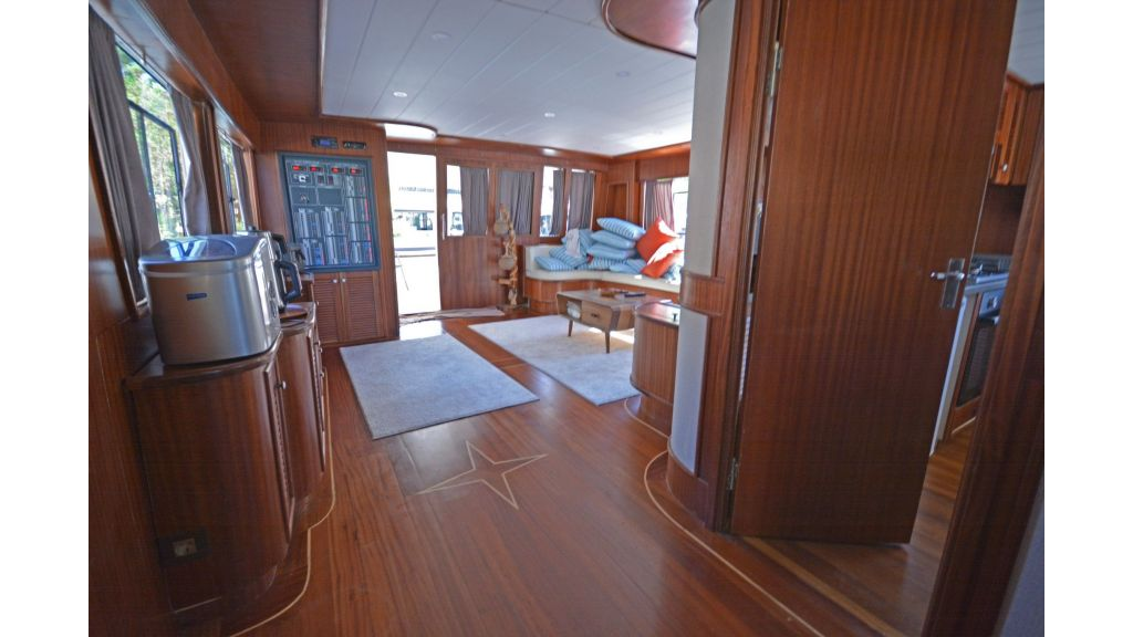 compass cabins (4)