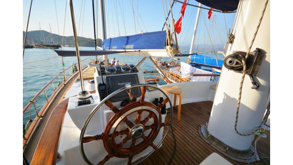 eloa sailing yacht (1)