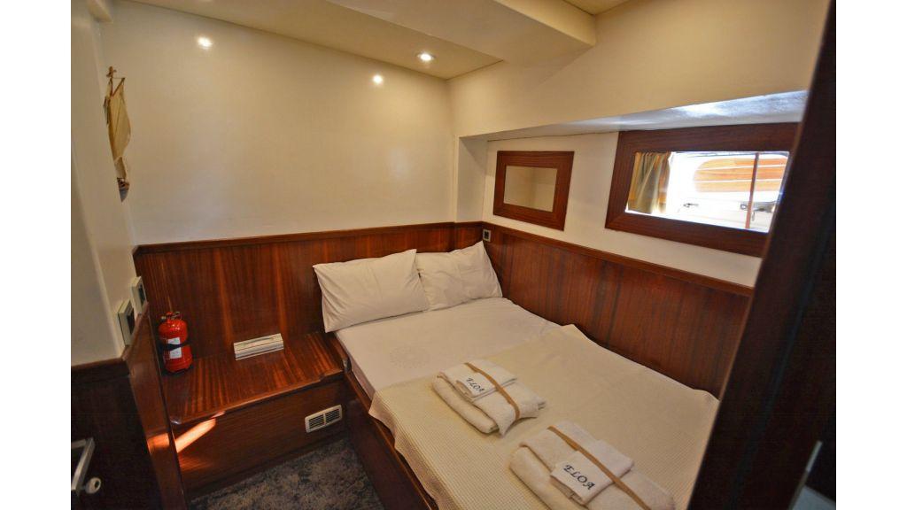 Eloa sailing yacht cabins (12)