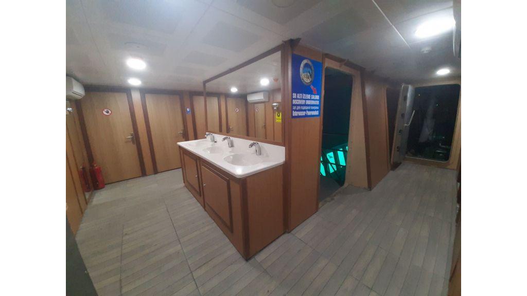Glass Bottom Submarine (43)
