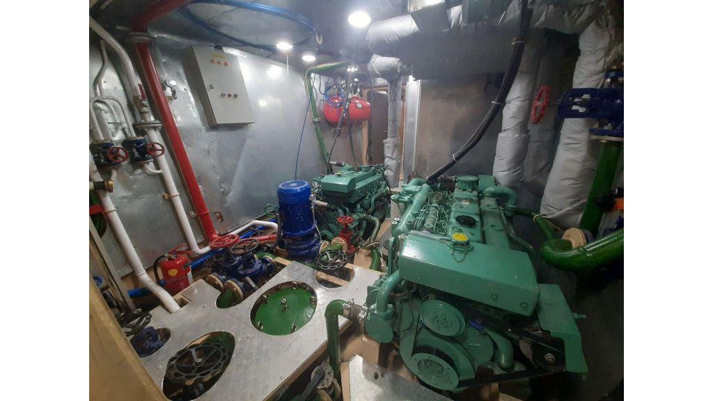 Glass Bottom Submarine (55)