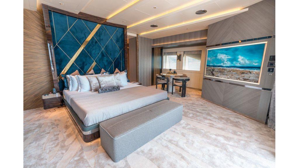 Owner Deck- Cabin (2)