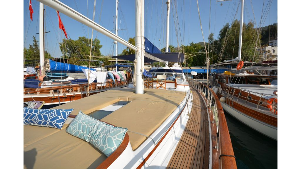 sailing yacht for sale (1)