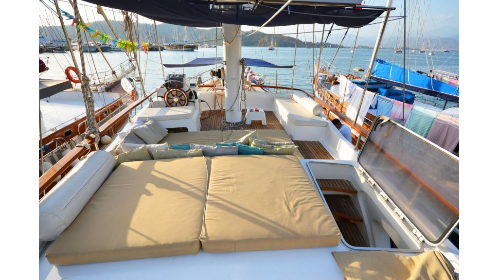 sailing yacht for sale (17)