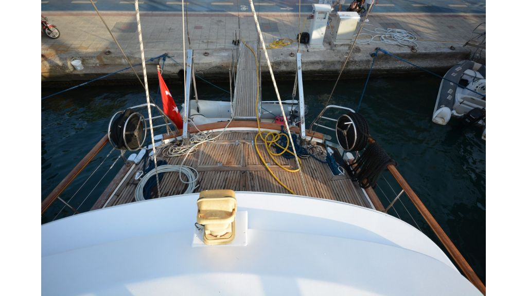 sailing yacht for sale (23)