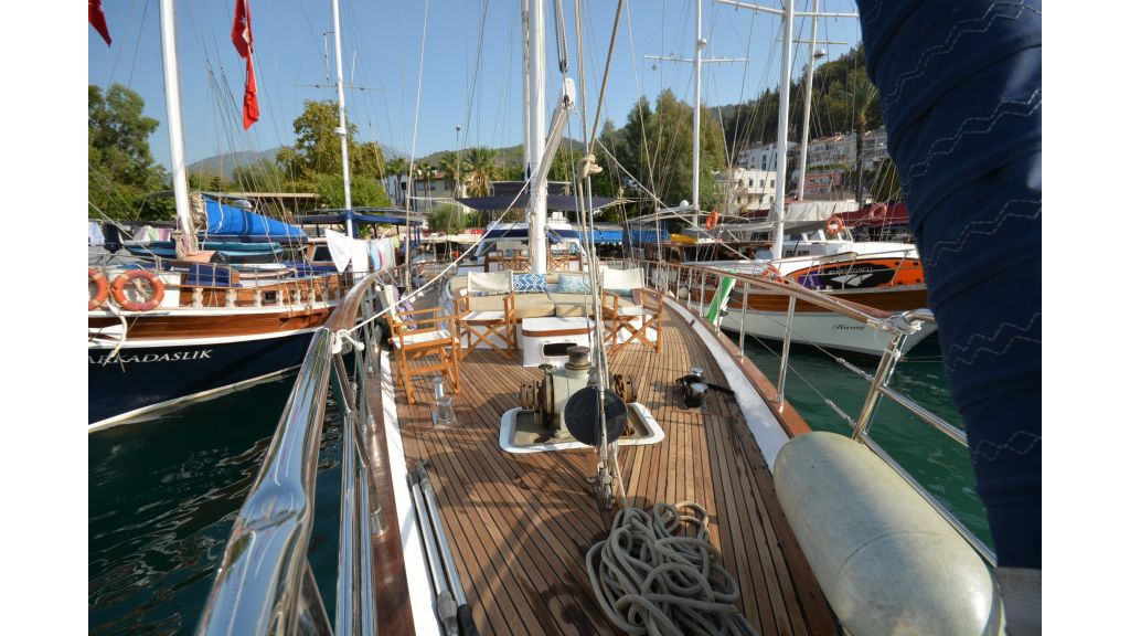 sailing yacht for sale (25)